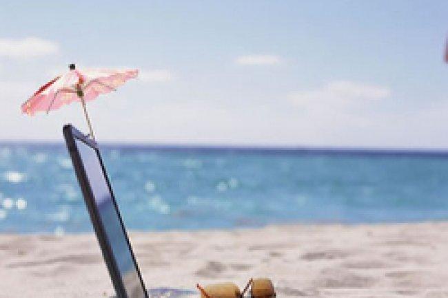 Les Français restent connectés en vacances