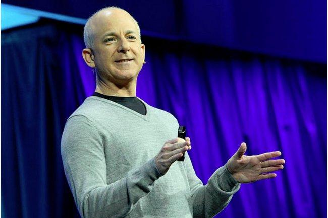 Steven Sinofsky, ex président de la division Windows, s'engage à ne pas dénigrer Microsoft et à ne pas travailler pour des concurrents. (crédit : D.R.)