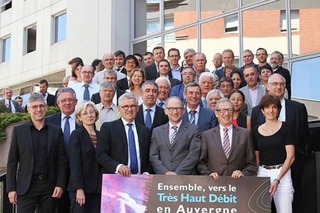 Signature du partenariat entre la r�gion Auvergne et Orange sur le d�ploiement fibre optique