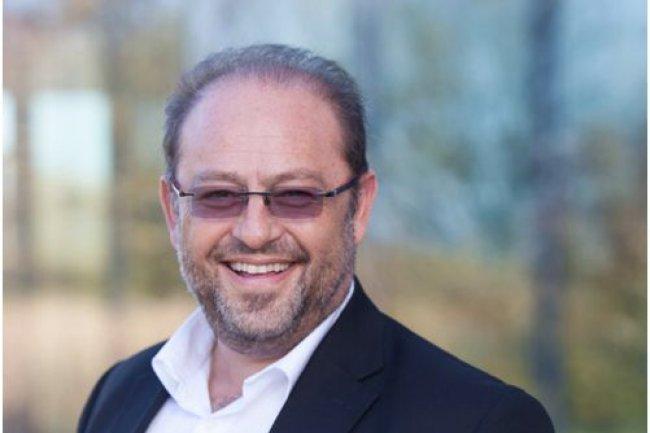 Emmanuel Obadia (ci-dessus), vice-président marketing EMEA de Salesforce.com, vient d'être nommé vice-président du collège Editeurs de Syntec Numérique, de même qu'Eric Varszegi, président de IP-Label. (crédit photo : D.R.)