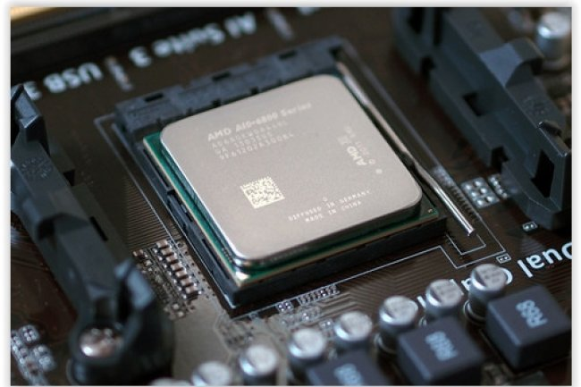 AMD indique que le système mixte x86 - ARM pourrait faire tourner les systèmes Windows, Linux et Android. (crédit : D.R.)