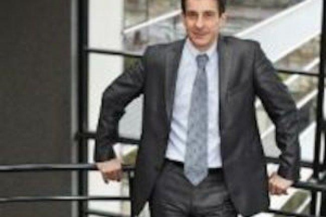 Bernard Etchenaguccia, directeur g�n�ral France d'Aastra � a Mitel Company �