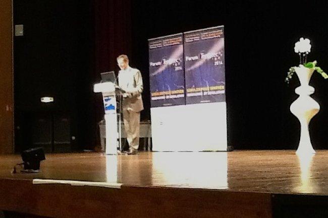Jean-François Lavignon, président de ETP4HPC et directeur chez Bull, expose les thèmes de recherche identifiés autour du HPC en Europe, sur le Forum Teratec 2014.