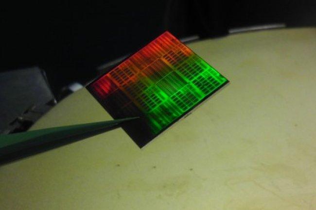 Les puces au graphène sont déjà une réalité dans les labs d'IBM Research. Crédit IBM