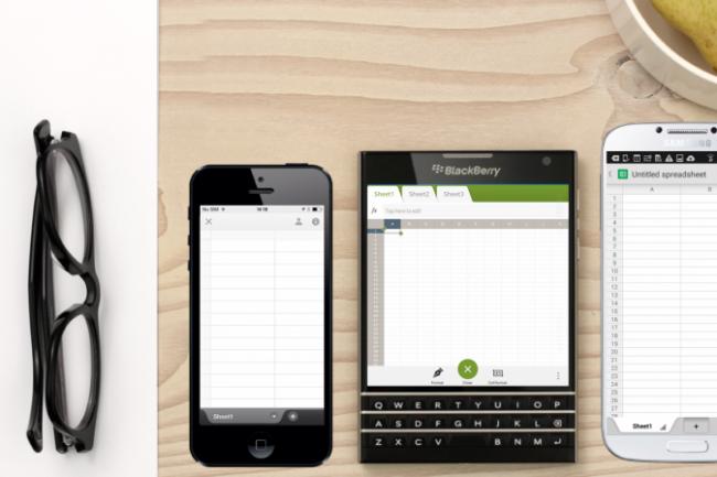 Le Passeport de Blackberry est presque 2 fois plus large qu'un iPhone 5. Crédit D.R.