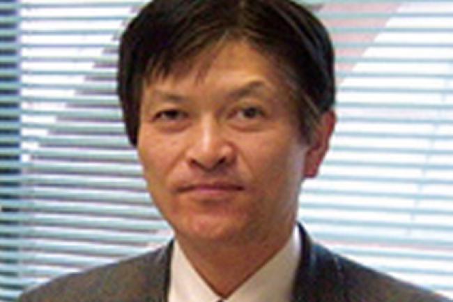 Noritaka Mizuno, professeur à l'Université de Tokyo, a dirigé une équipe de chercheurs pour travailler sur une nouvelle génération de batteries lithium. (crédit : D.R.)