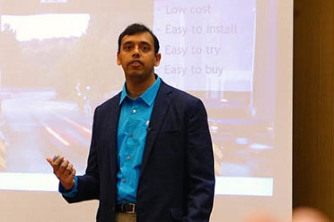 Avec sa solution de virtualisation du stockage, Arun Agarwal, cofondateur et CEO de la start-up InfinIO, exploite astucieusement la RAM disponible dans les serveurs. (crédit : LMI)