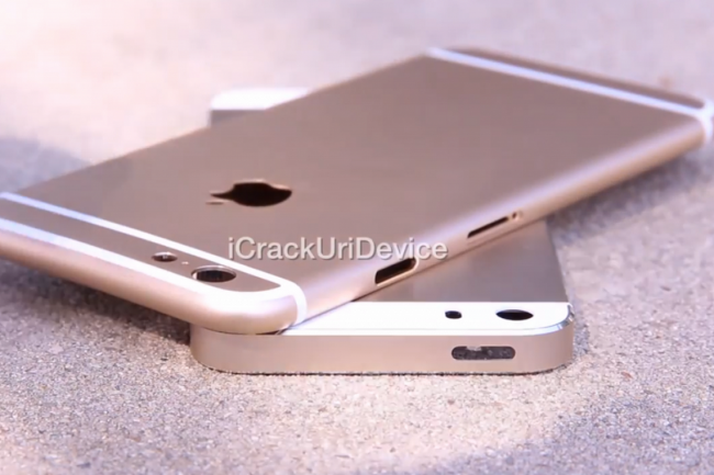 Un iPhone 6 face à un iPhone 5S permet de voir la différence flagrante de taille. Crédit photo D.R.