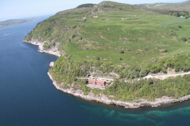 Installé sur l'Ile de Rennesoy, le datacenter de Green Mountain recycle les galeries d'une ancienne base de l'Otan. (crédit Green Mountain).