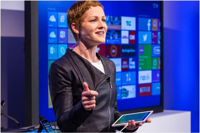 Julia White, directrice marketing des lignes Office et Office 365, lors du lancement d'Office for iPad en mars 2014. (crédit : Microsoft)