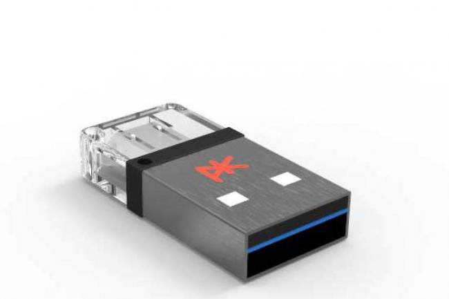 Avec ses 32 Go, la K'3 peut stocker et transférer très simplement des fichiers d'un PC vers un smartphone.