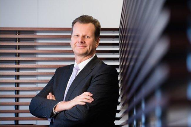 Oliver Bussmann, CIO d'UBS, a communiqué le transfert de 4'000 postes IT occupés sur des sites «high cost» vers des sites qualifiés de «low cost» (crédit D.R.).