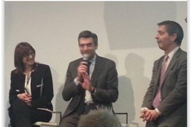 De gauche à droite sur la photo : Arianne Delalieux, adjointe à la DSI de la branche énergie France de GDF Suez ; Vincent Deriot, DSI de Neopost ; et Marc Lafond, DSI de Schneider Electric. (crédit : Betrand Lemaire)