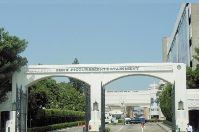 Suite à l'attaque des cyberpirates du groupe Guardians of Peace, les activités de Sony Pictures Entertainment sont aujourd'hui presque totalement bloquées.