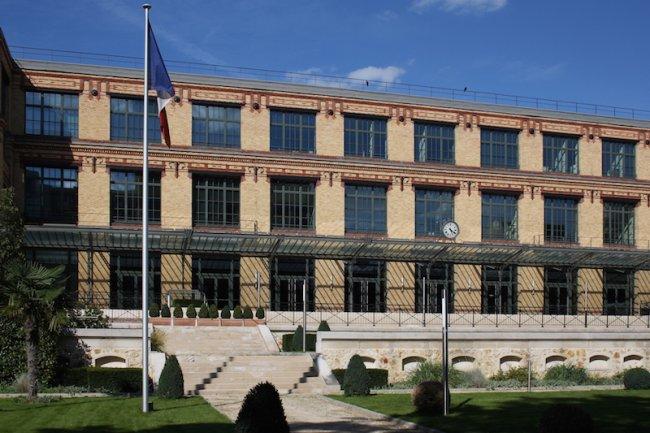L'Imprimerie Nationale a confié la surveillance et la sécurité de son infrastructure IT au SOC de Steria. (En illustration l'ancien siège historique de l'IN)