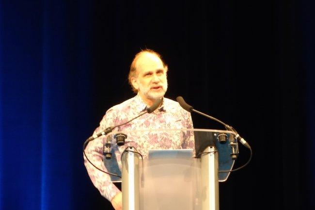 L'invité le plus attendu au FIC 2015 était sans conteste le cryptologue Bruce Schneier.