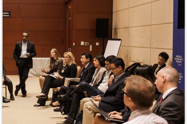 Participants à une session de quantification des cybermenaces lors du Forum économique de Davos. (crédit : D.R.)