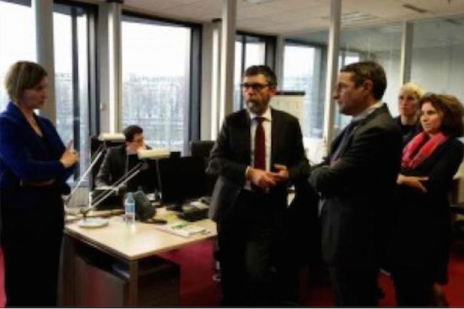 De gauche à droite : Jacques Marzin, Thierry Mandon et  Laure de la Bretèche lors de l'inauguration du RIE.