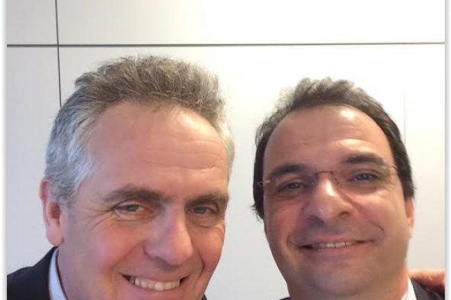 Frédéric de Belloy, vice-président et directeur Général d'oXya (à gauche) et Franck Didi, vice-président services de HDS EMEA (à droite). crédit : D.R.
