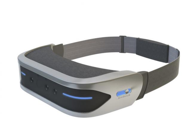 La start-up MindMaze d�voile un casque de r�alit� virtuelle contr�l� par la pens�e. (Cr�dit D.R.)