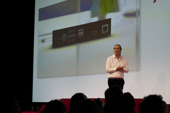 Devant un parterre de journalistes chauff�s � blanc, Xavier Niel a pr�sent� la Freebox 4K Mini, un dispositif dont le boitier sous Android TV peut d�livrer des images en ultra haute d�finition. (cr�dit : O.B.)