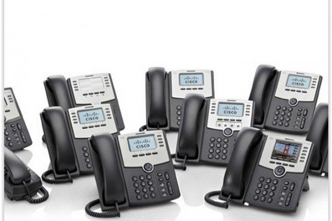 Les téléphones IP de la gamme SPA 500 sont concernées par la vulnérabilité d'authentification permettant d'écouter et passer des appels indus. (crédit : D.R.)