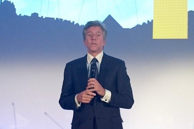 Bill Mc Dermott, CEO de SAP, à Levallois pour l'inauguration du siège français.