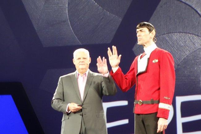 Pour la 2e keynote à EMCWorld 2015 à Las Vegas, Joe Tucci a invité M. Spock sur scène pour illustrer sa propre fédération (EMC, VMware, Pivotal et RSA).