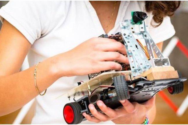Les projets présentés par les étudiants  de l'Esiee portent sur différents domaines technologiques comme l'électronique, la robotique ou la domotique. Crédit: D.R