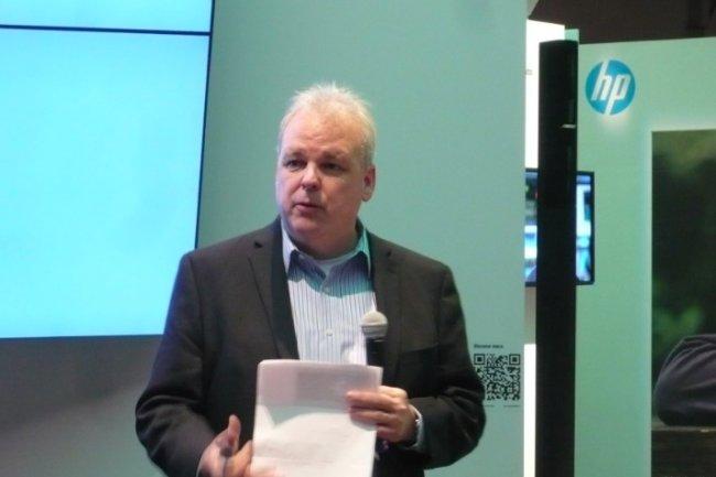 Sur Discover 2015, Martin Fink, CTO de HP et directeur de HP Labs, fait un point sur The Machine, un projet de longue haleine qui met la mémoire (non volatile) au centre de l'ordinateur. (crédit : LMI)