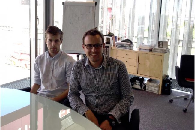 En moins de six mois, le site d'e-commerce Oscaro.com a installé des outils d'analyse pour les métiers et les services IT à partir d'un cluster Hadoop. (en photo : Romain Nio, responsable Data, à droite, et François Dumarest, chef de projet Pricing / crédit : D.R.).