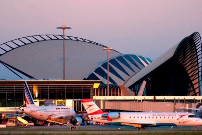 Avec Prim'X, Aéroport de Lyon a pu sécuriser par chiffrement 120 terminaux mobiles.