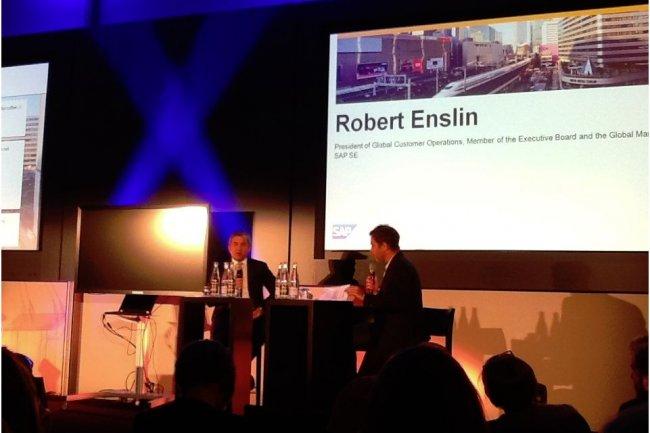 Robert Enslin (à gauche sur la photo), numéro 2 de SAP, responsable des opérations clients, a présenté le « Digital Framework » de SAP, hier dans les locaux de la filiale française. (crédit : LMI)