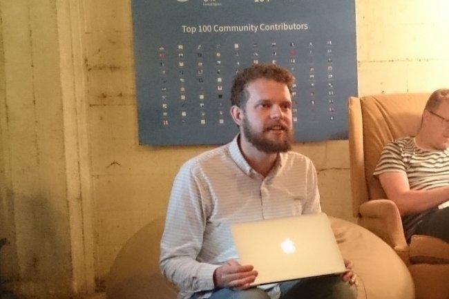 CoreOS apporte à la technologie container les bénéfices d'une architecture distribuée afin de garantir le fonctionnement d'une application même si un nœud tombe, nous a indiqué Alex Polvi, CEO de la start-up.