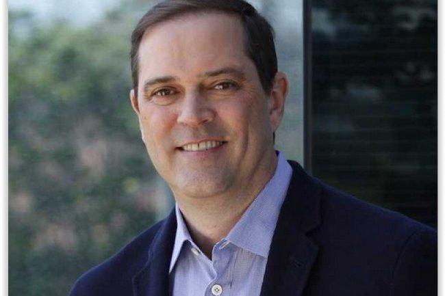 Chuck Robbins, le CEO de Cisco va percevoir un salaire annuel de 1,15 million de dollars lors de sa première année d'exercice, hors bonus et actions. (crédit : D.R.)