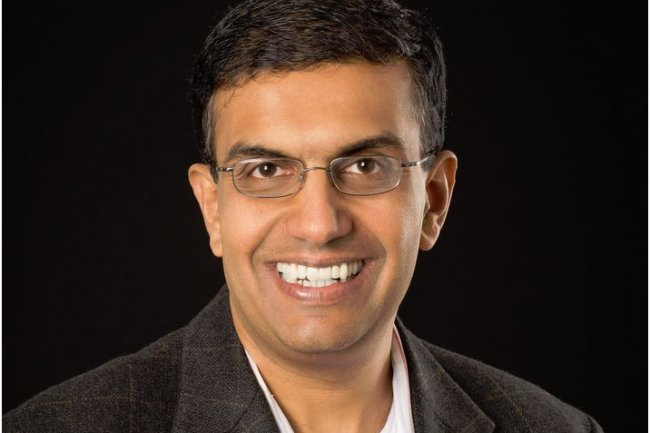 Anil Chakravarthy succède à Sohaid Abbasi au poste de CEO d'Informatica. Ce dernier reste président de la société.