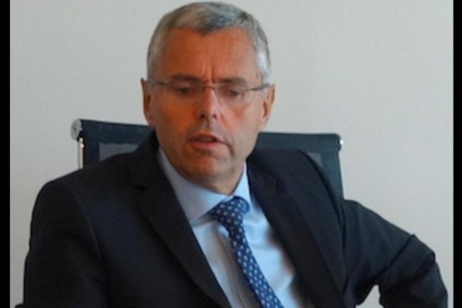 Michel Combes va finalement percevoir 7,9 millions d'euros contre 13,7 initialement pour son départ d'Alcatel-Lucent. (crédit : LMI)