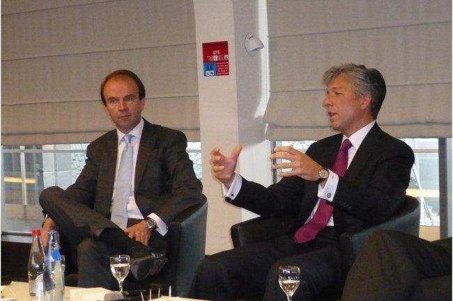 Henri van der Vaeren, ici à gauche à côté de Bill Mc Dermott CEO de SAP lors de sa nomination en mai 2012 à la tête de SAP France. (crédit : M.G.)