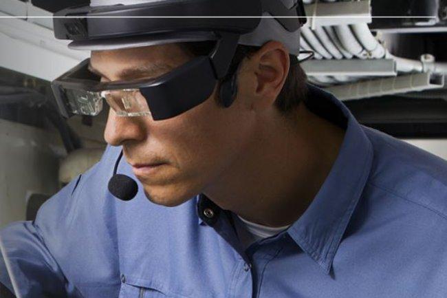 Les lunettes connect�es Moverio Pro BT-2000 d�Epson ciblent le march� des entreprises. Cr�dit: D.R.
