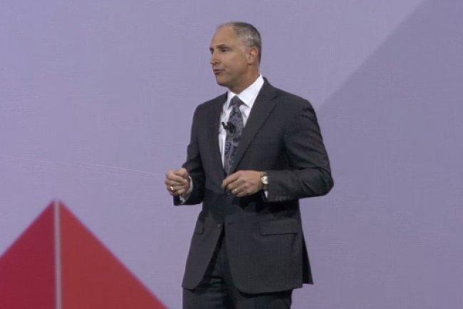 « Aujourd'hui, les entreprises doivent corréler leurs données internes avec des informations issues de l'extérieur pour en tirer plus de valeur », a expliqué, sur la scène de l'événement Insight 2015, Bob Picciano, senior vice-président de la division Analytics d'IBM. (crédit : LMI)