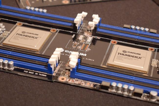Les cartes ThunderX de Cavium, dotées de puces ARM 64-bits, ont été retenues pour tester FreeBSD.