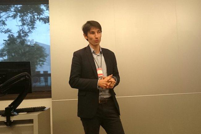 Vincent Swiderski, sales manager Smarter Fleet chez Airbus, est monté à Bois-Colombes présenté sa collaboration DevOps avec IBM.