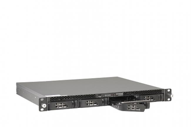 Proposé au prix de 1211€, le NAS 3138 est animé par la dernière version de ReadyNAS.