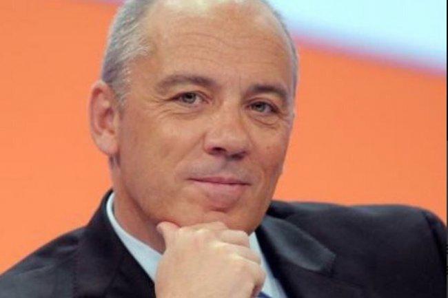 Stéphane Richard, PDG d'Orange, confirme les ambitions de son groupe dans la banque mobile en France, avec le rachat de Groupama Banque.