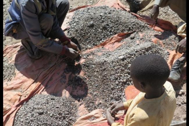 Amnesty International  veille à ce que le cobalt utilisé par certains grands groupe ne soit pas produit par des enfants en République démocratique du Congo. Crédit: D.R