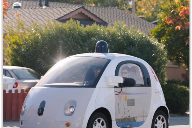 Google muscle les effectifs en charge de sa voiture électrique autonome à l'heure où les tests sur routes publiques se multiplient. (crédit : D.R.)