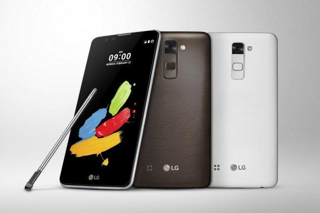LG sortira son Stylus 2 en trois couleurs, blanc, marron et titane (blanc argenté). crédit : D.R.