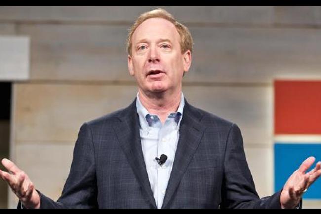 Brad Smith, le directeur des affaires juridiques de Microsoft, est pour une rationalisation des traités traités bilatéraux sur l'entraide judiciaire dans le cas d'échanges de données entre différents pays. (crédit : D.R.)