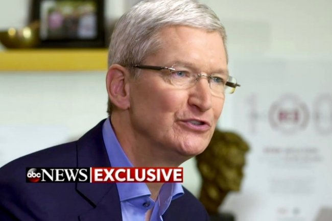 Le CEO d'Apple Tim Cook durant son interview sur ABC News le 24 février 2015