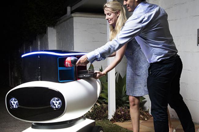 Le robot livreur de pizza de Domino's pourrait être mis en service sur la voie publique en 2018. (crédit : D.R.)